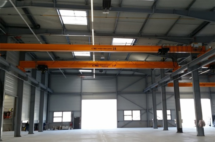 Easy to install single girder crane